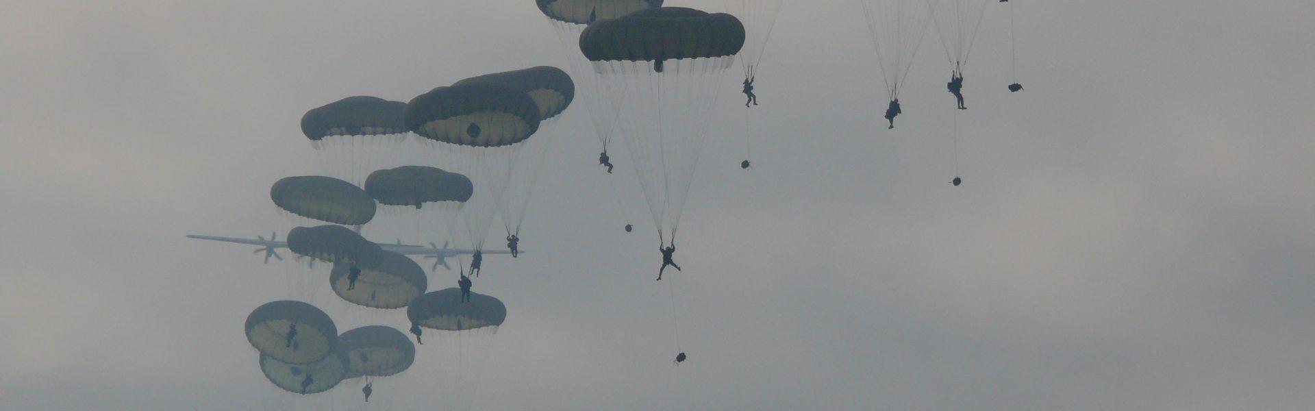 Airborn landing op de Ginkelse Heide van Ede