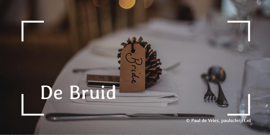 Gedekte tafel voor het huwelijksdiner bij het versje 'De bruid' van Paul Schrijft foto door Clem Onojeghuo
