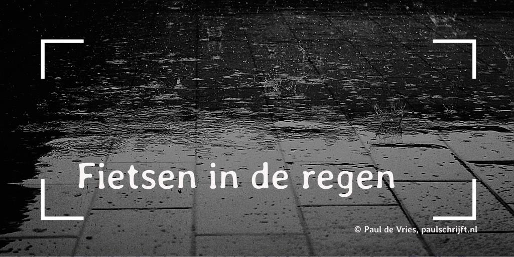 Regendruppels op straat, foto Giulia Marotta op pixabay