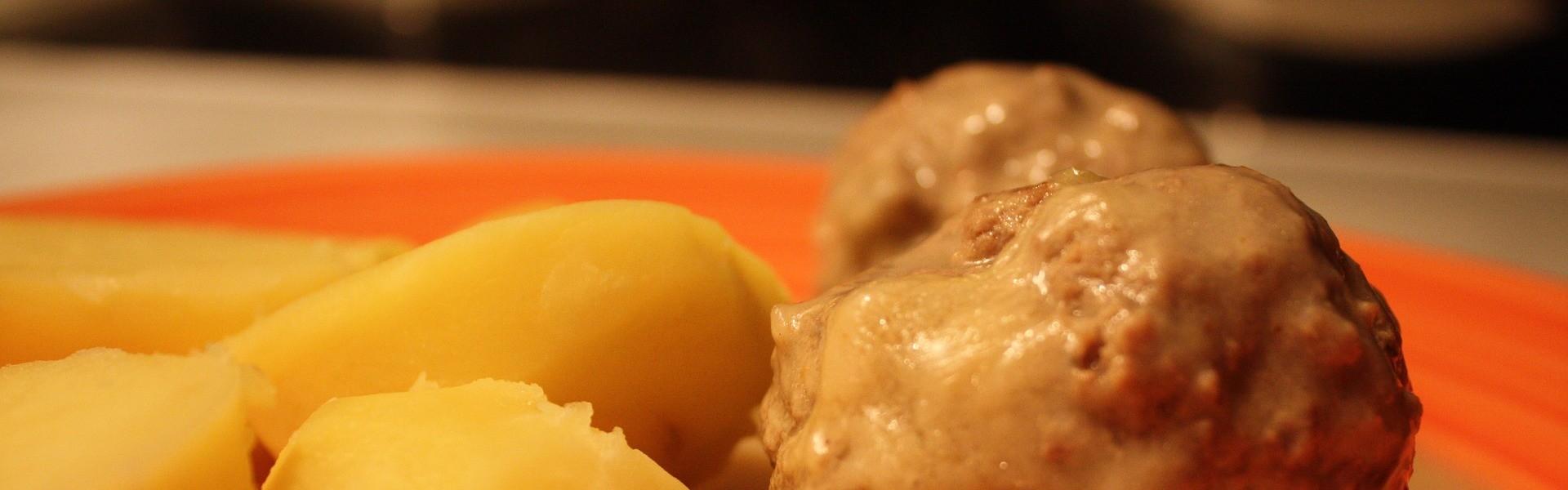 Aardappelen met Gehaktballen (foto: Daniel Baezol Pixabay)