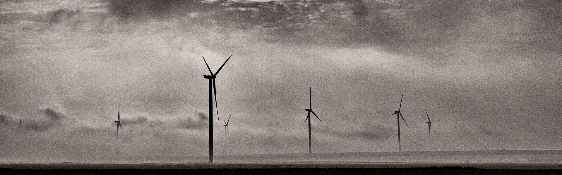 Windmolens van mihaifilipoaia bij de column 'Stank van lente' van Paul Schrijft